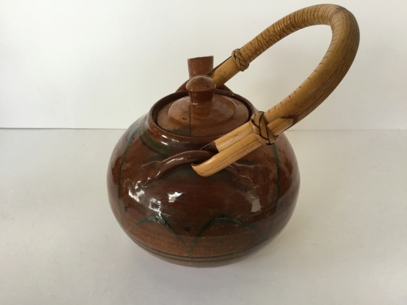 Early earthenware studio teapot 57910d10