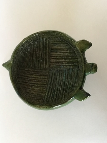 Old green art pottery pig bowl, foreign? 63f93610