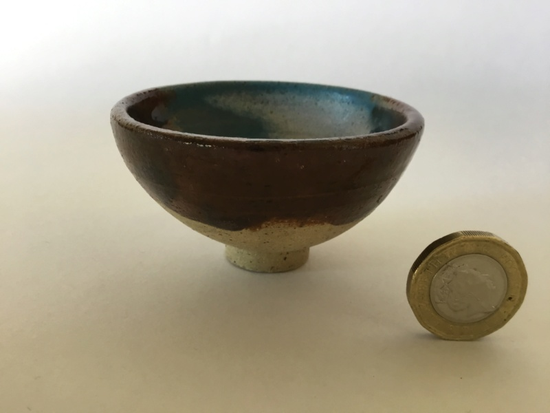 Small stoneware  tea bowl, blue, brown gaze NS or SN mark 68b0e810