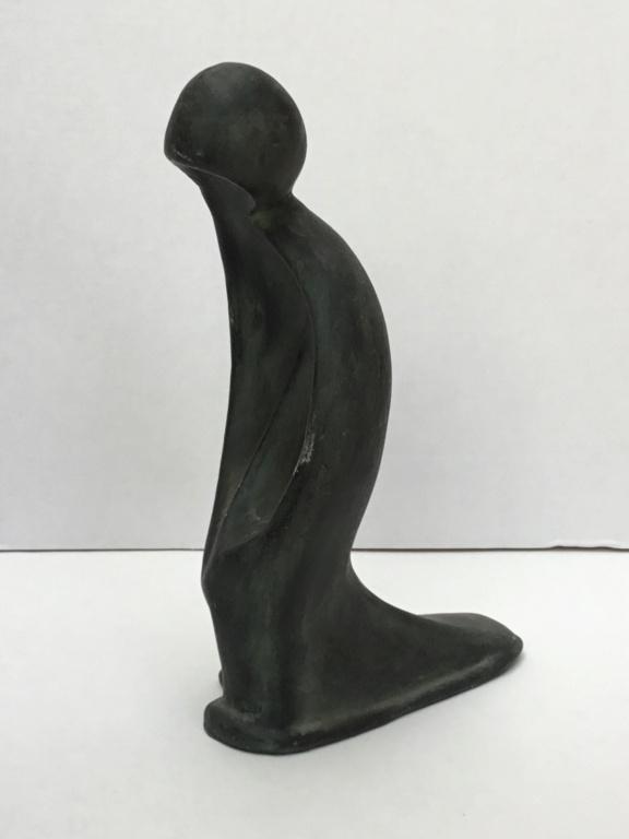 Modernist kneeling figurine 694a8e10
