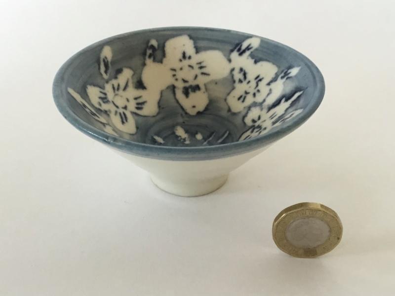 Blue & white porcelain studio bowl, unmarked  6c247c10