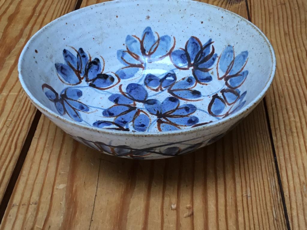 Studio pottery bowl VAM mark mystery  6d87be10