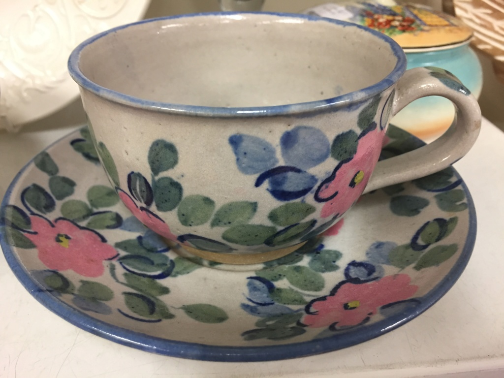 Flowery studio cup & saucer, unclear mark 7e548710