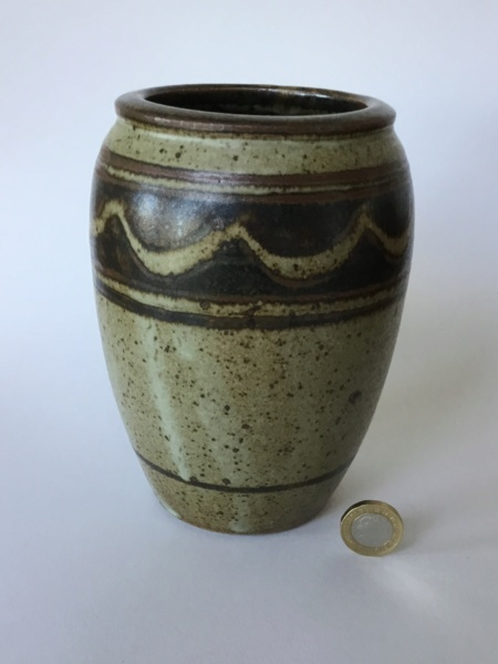 Eric Golding, Branscombe Pottery  - Page 2 80721f10
