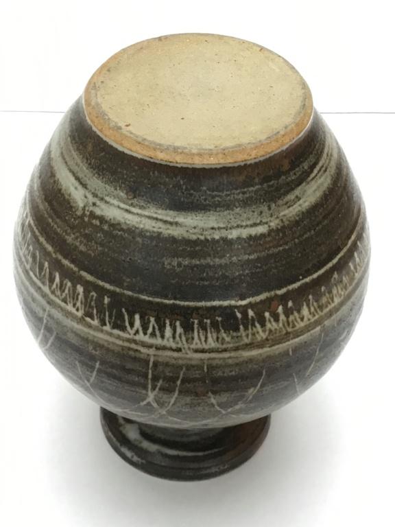Stoneware studio vase, zigzag & curves pattern 8411e710