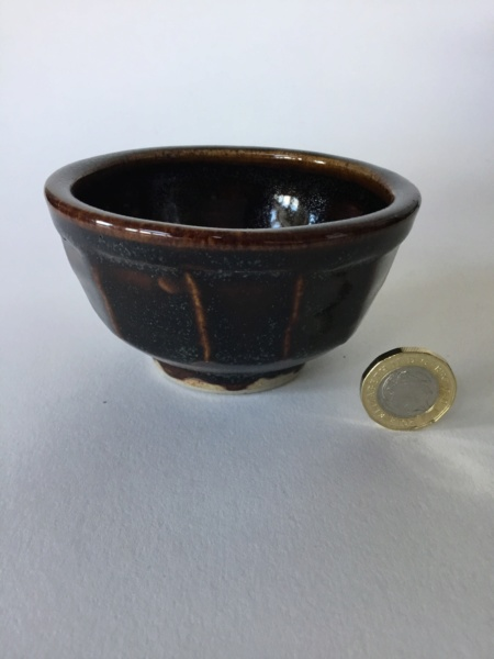 Cut sided studio yunomi tea bowl, unmarked 84b8ee10