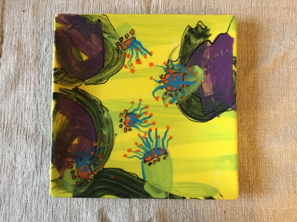 Sea anemone painted plate 87464710
