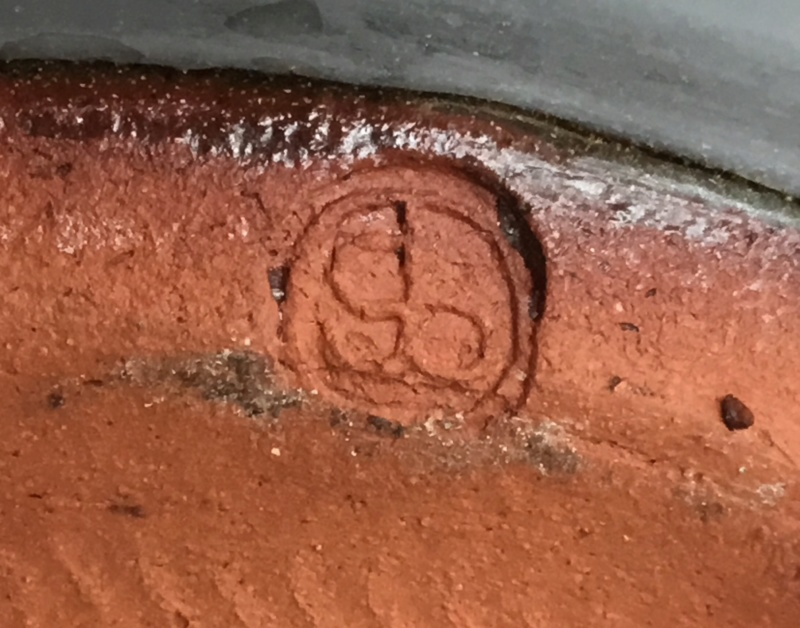 Slipware with gb mark - Gretel Baron, ex-Pantasaph Pottery 95541910