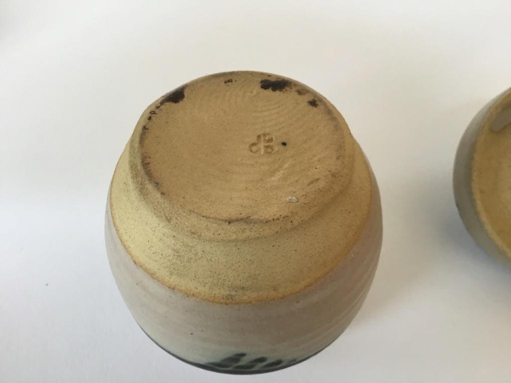 Stoneware lidded jar, blue pattern, dB mark?  97eb4210