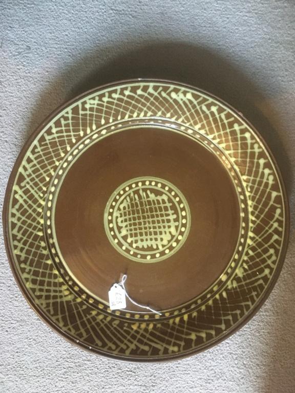 Slipware dish, SC incised mark 9915e410