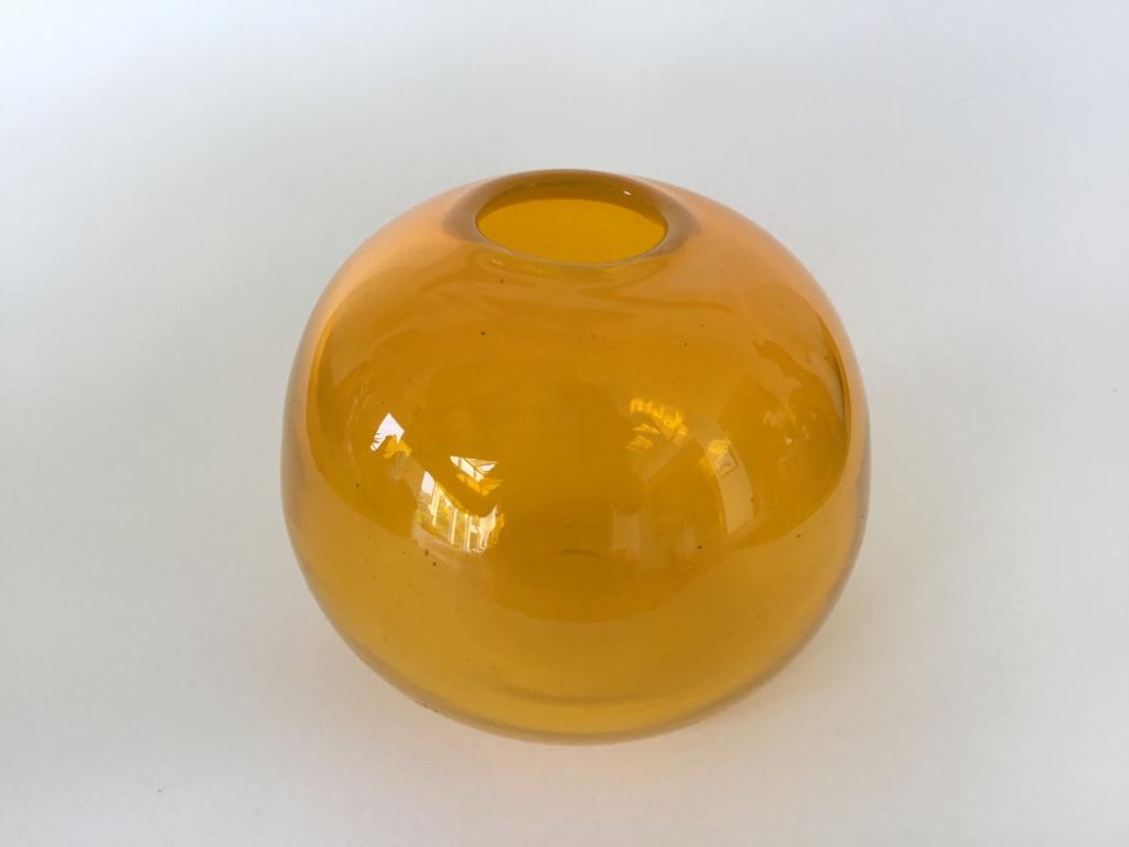 Heavy blown small orange globe vase 9b119010