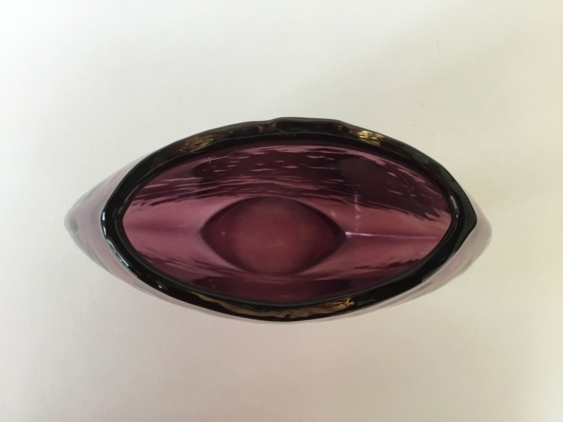 Flat, purple glass dimpled vase, ground hollow base 9d84a010
