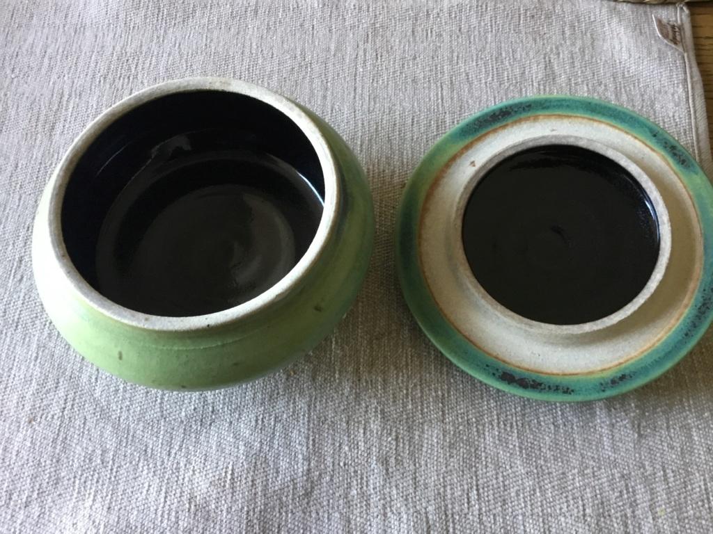 Studio pottery signed Lyn pinecones lidded pot. A6b30510
