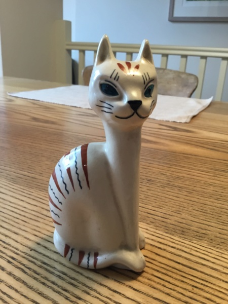 Striped pottery cat, moulded, no mark A9ab2210