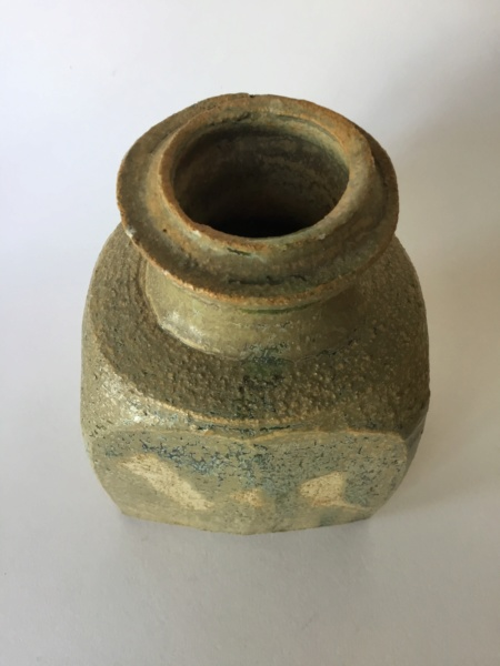 Flattened thrown stoneware vase, 4 lines circular mark B199dd10
