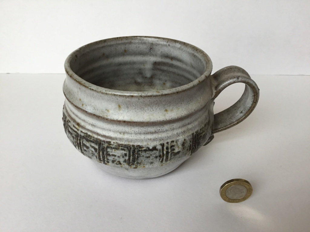 Large stoneware cup, raised pattern, incised mark Bcbbe310