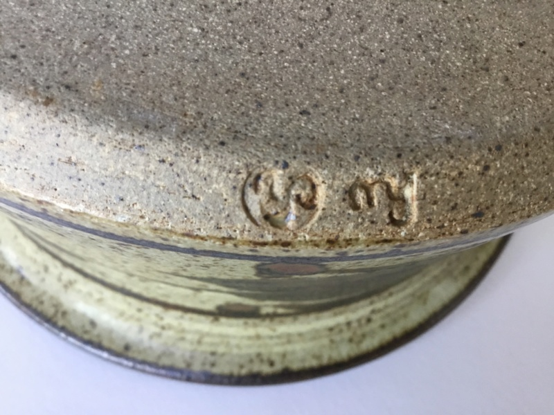 Hugh West & Chris Hawkins stoneware casserole, hw and ch marks Be01dd10