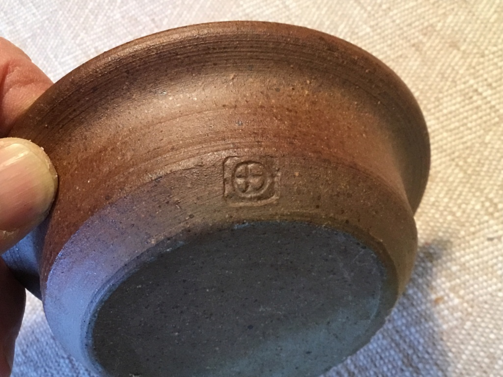Stoneware bowl, cross in circle mark by Trefor Owen, Wales  Be84cc10