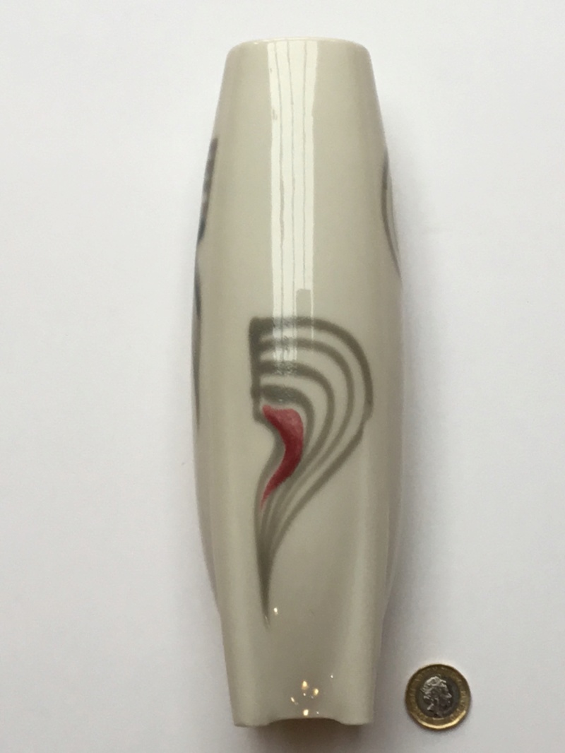 Modern ceramic rocket shape vase C13a7910
