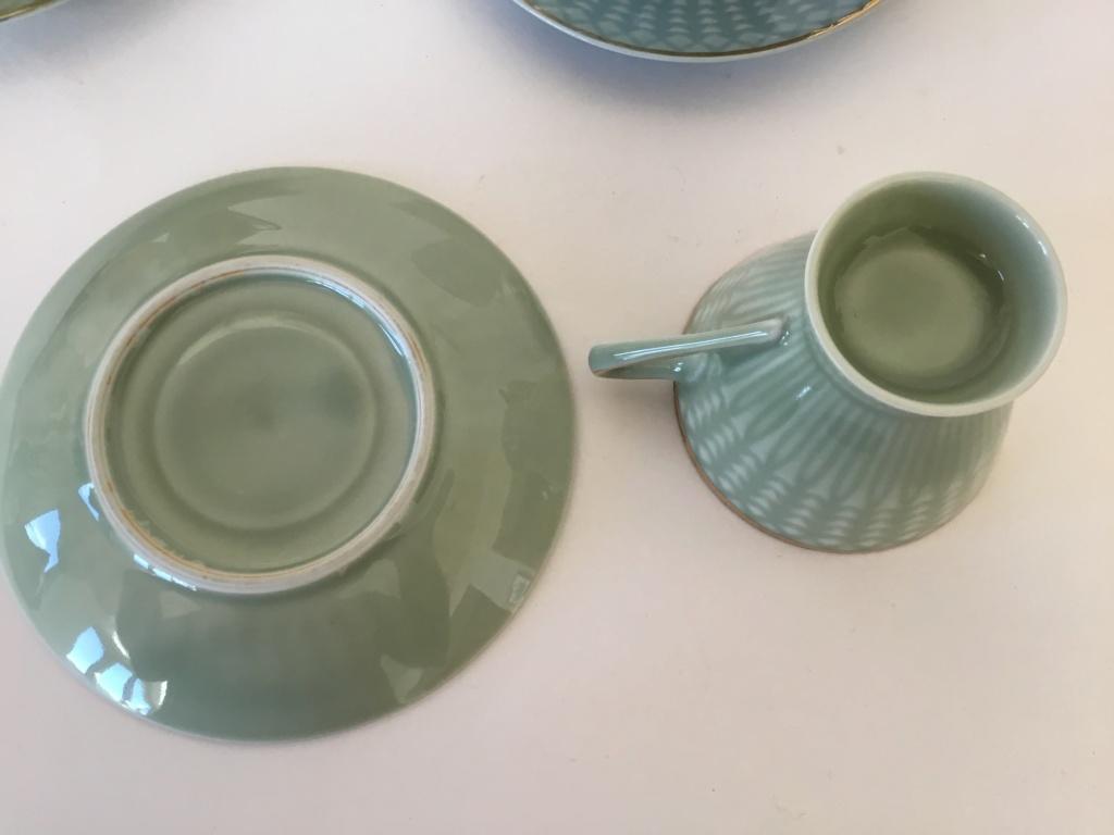 Porcelain tea cups, unmarked C4219e10
