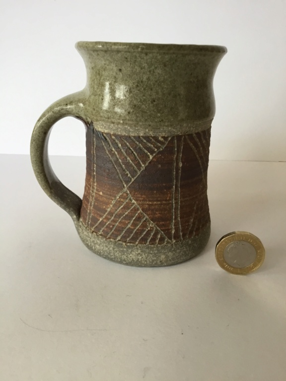 Ash glaze,  cup incised decoration  C8b98710
