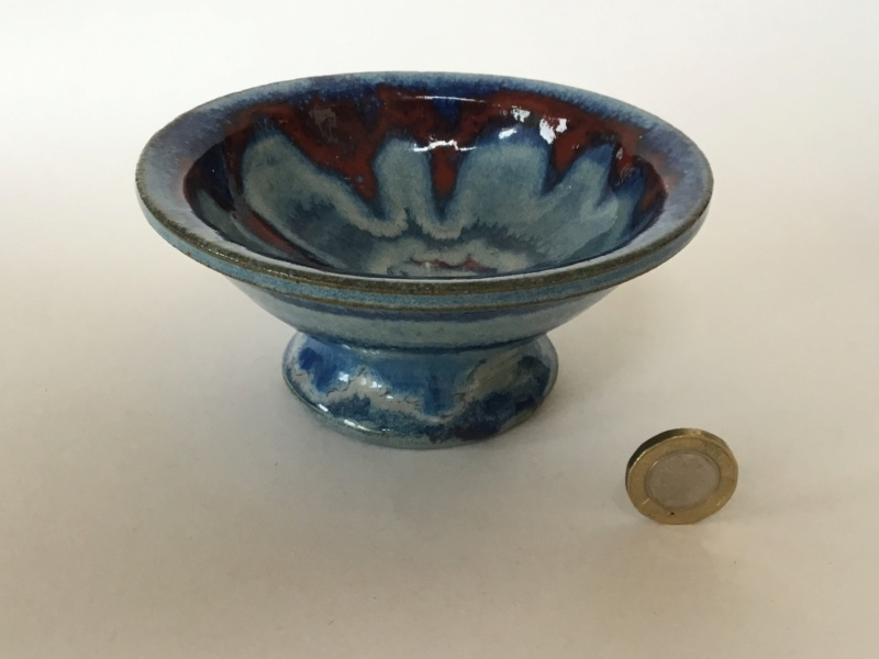 Studio bowl, impressed mark, blue and red-brown flow flower Cde37e10
