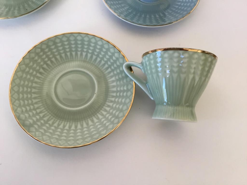 Porcelain tea cups, unmarked Ced9c510