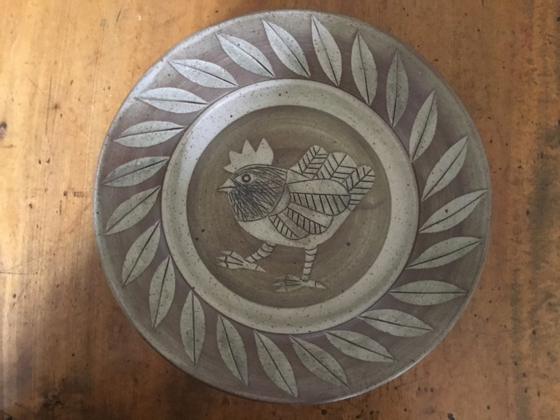 Stoneware Studio chicken dish CCL Mark Da619210