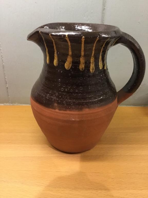 Slipware studio jug, Squiggle mark  Db131e10