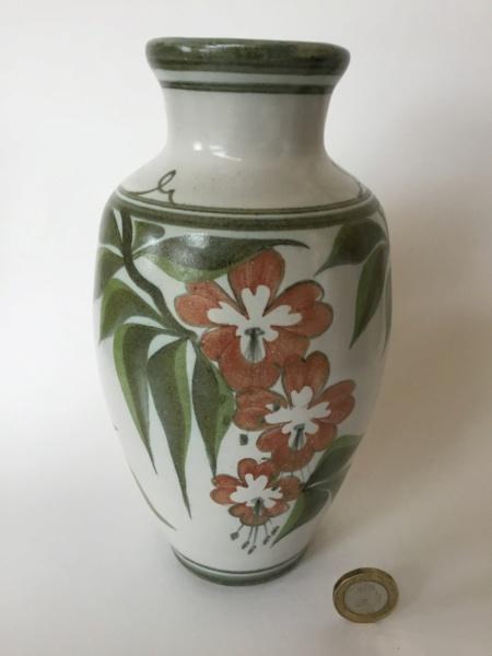 Laurence McGowan, ex-Aldermaston Pottery Db961d10