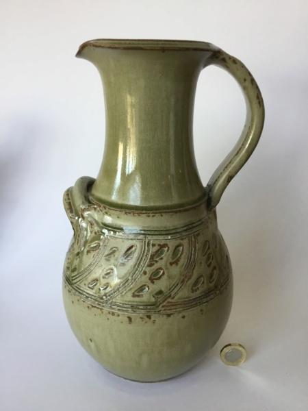 Large green ash glaze jug, incised - Elizabeth Aylmer Hatherleigh Pottery  Dd308910