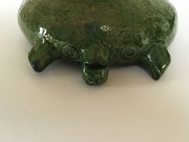 Old green art pottery pig bowl, foreign? E138a210