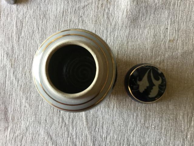 Stoneware studio jar signed M Bailey E48ecc10