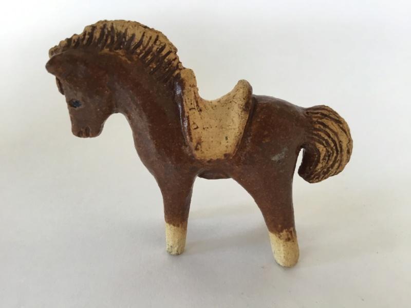 Stoneware horse, spiky or tree mark E5d3c010