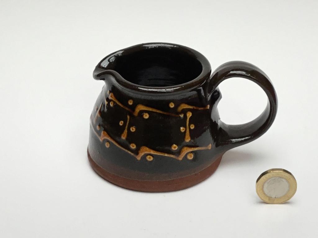 Slipware Studio milk jug, no mark Eec96f10