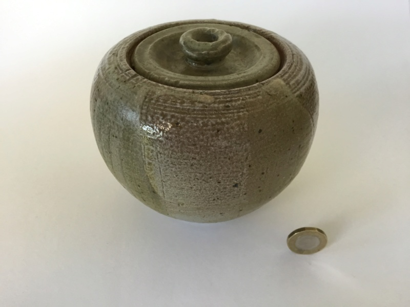 Saltglaze lidded pot, no mark, Distinctive base F9da4d10
