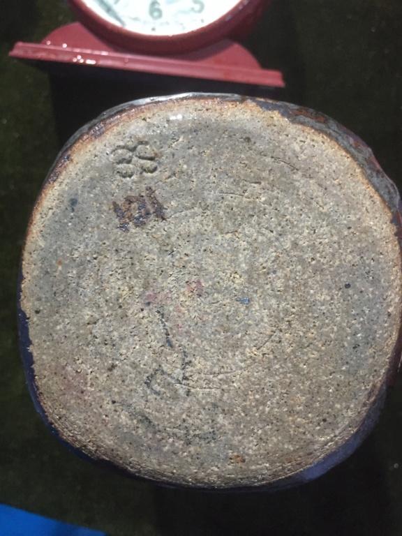 Square stoneware beaker. Grey, decorated Fcf98410