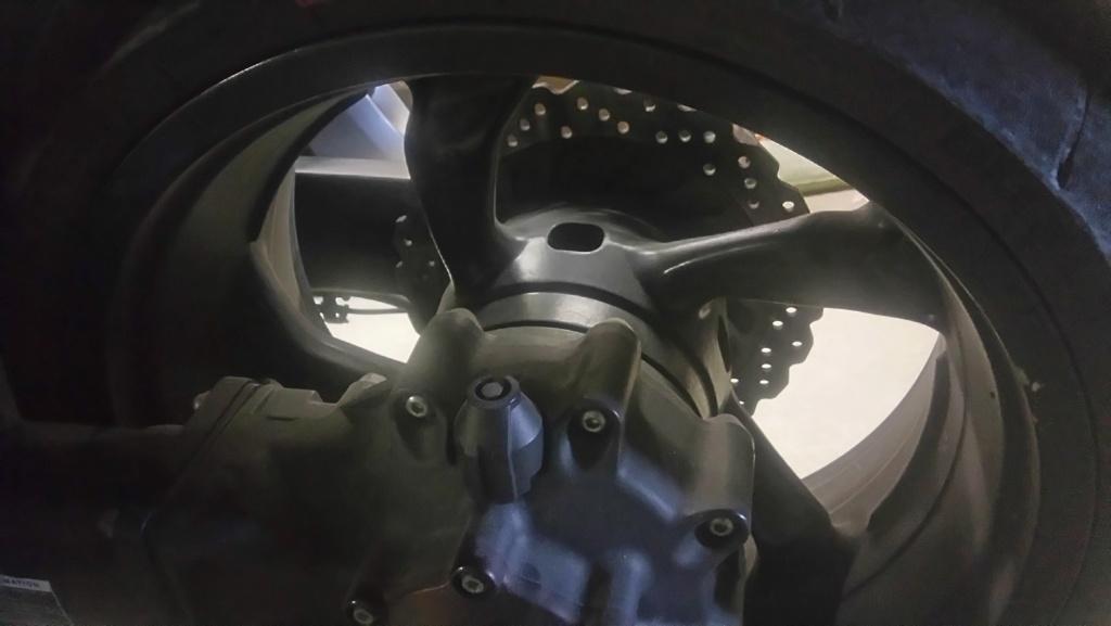 Procédure démontage de la roue arrière - Page 2 Dsc_0011