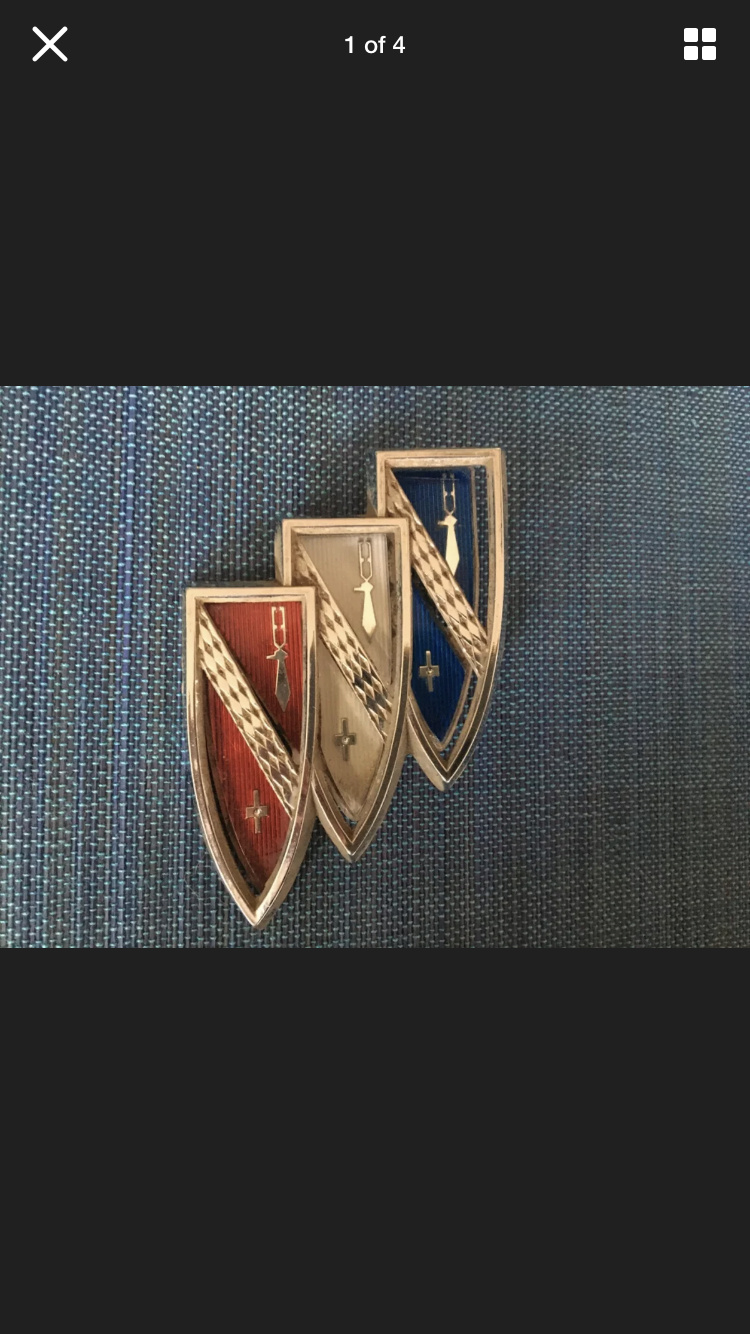 badges/emblems 5c345b10