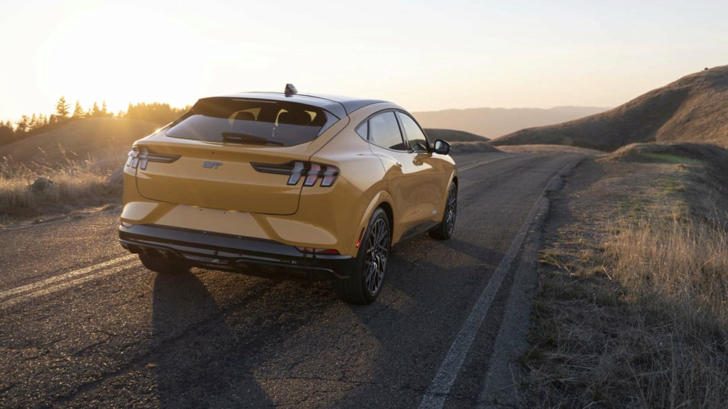 2020 - [Ford] Mustang Mach-E - Page 9 2022-f11
