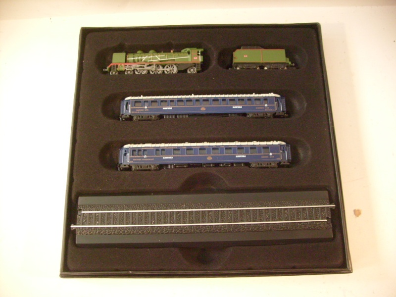 les petits , petits , petits trains Atlas !!!! S7305066