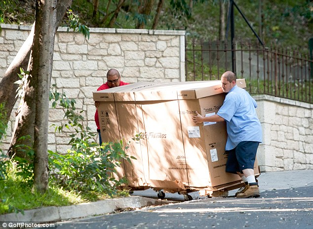 Is George Clooney shedding for the wedding? Exercise equipment is delivered to newly engaged star's LA home as he shapes up ahead of 'September nuptials' Sheddi14
