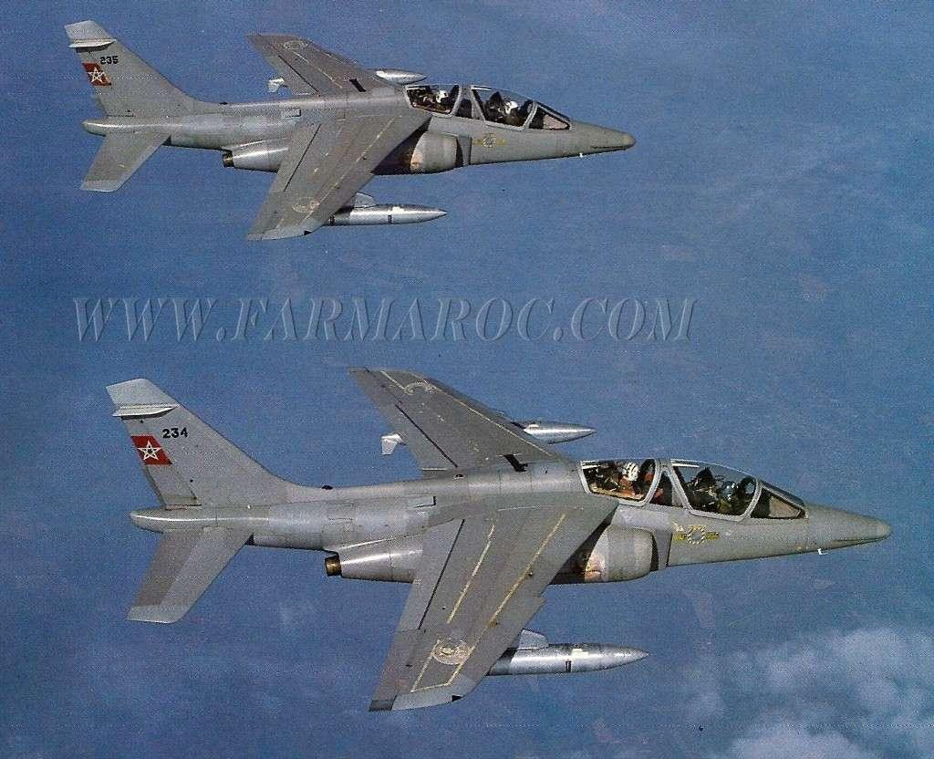 FRA: Photos avions d'entrainement et anti insurrection - Page 7 Ly7q_w10