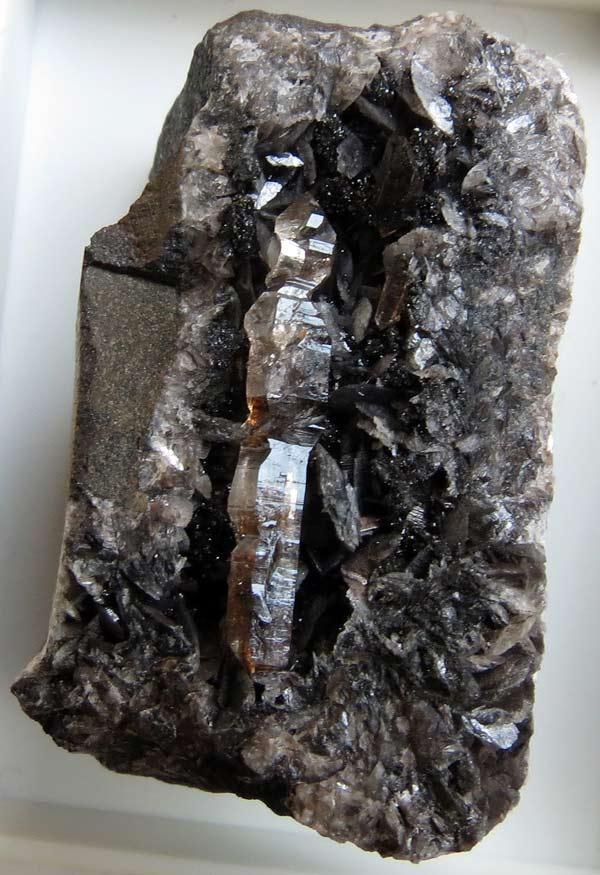 quartz de terrils du Borinage Qzterr10