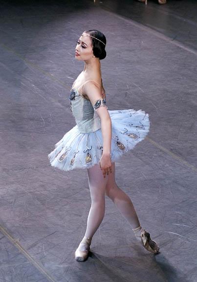 Danseuses saluant Zhong-10