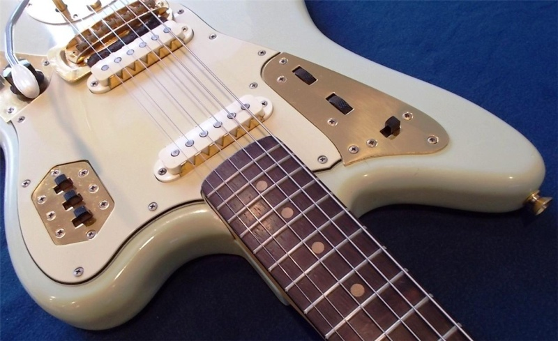 Fender Jaguar ..... 64687112