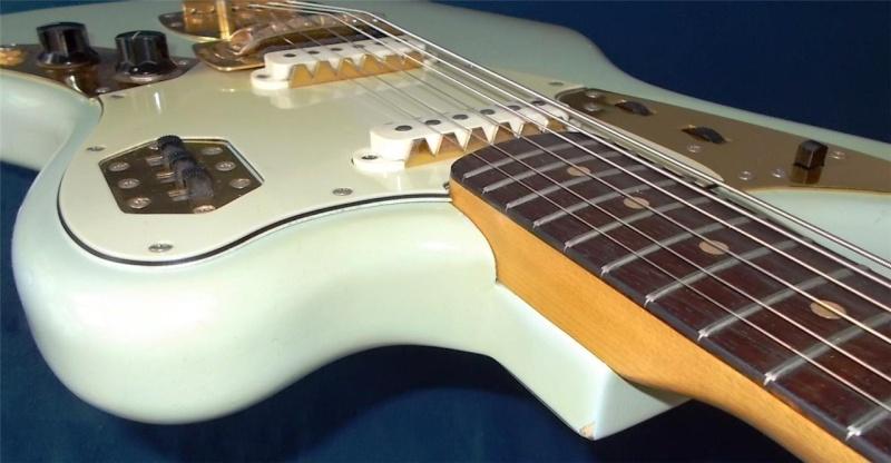 Fender Jaguar ..... 64687211