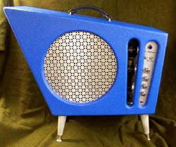 Very cool amp guitar............ - Page 2 Bluero10