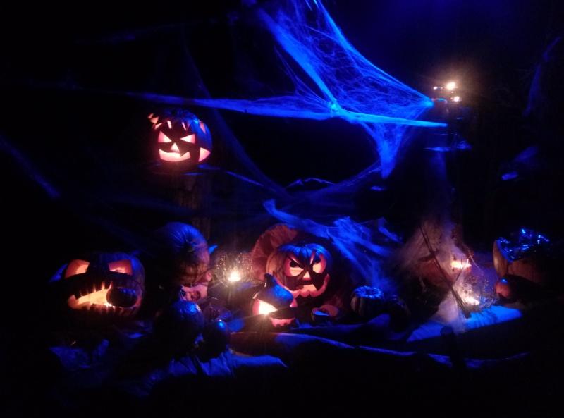 Bientot Gretsch halloween ......... Cam00710