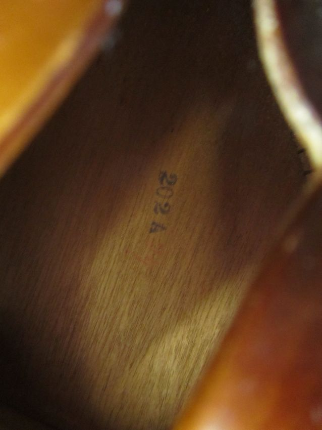 Archtop Cromwell 1935 ( Gretsch and Brenner inc). Crow2010